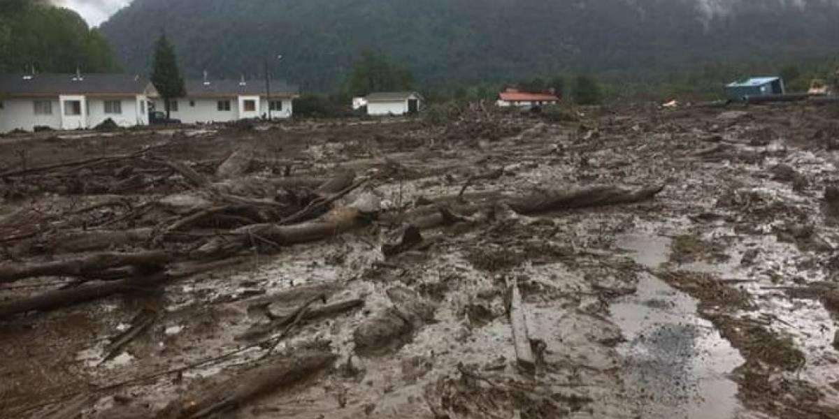 """Alcaldesa de Chaitén: """"La mitad de la Villa Santa Lucía está afectada por aluvión"""""""