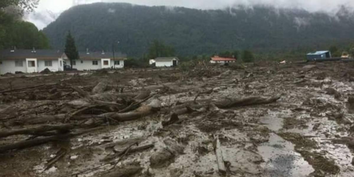 """""""Mi apoyo y solidaridad con las personas de esta localidad de Chaitén"""": Guillier envía mensaje a familias tras aluvión"""