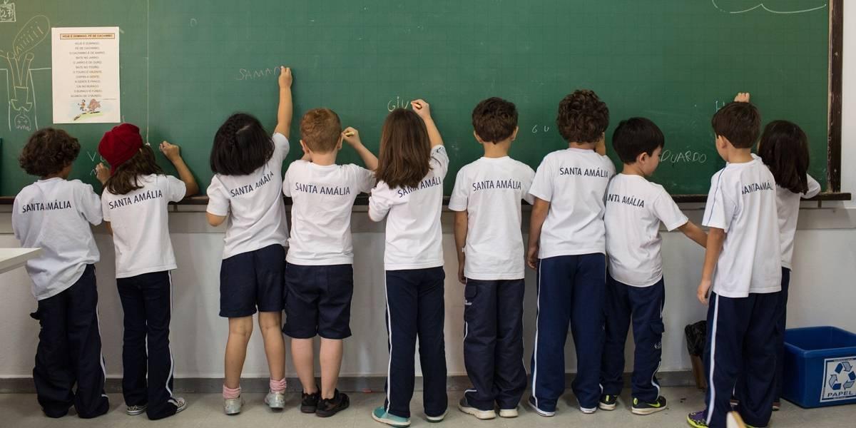 Base curricular do ensino infantil e fundamental é aprovada; avaliação muda em 2019