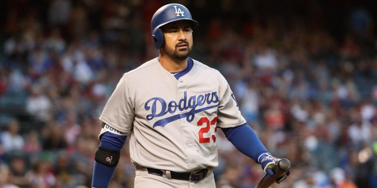 Dodgers cambian a Adrián González; irá a los Bravos de Atlanta