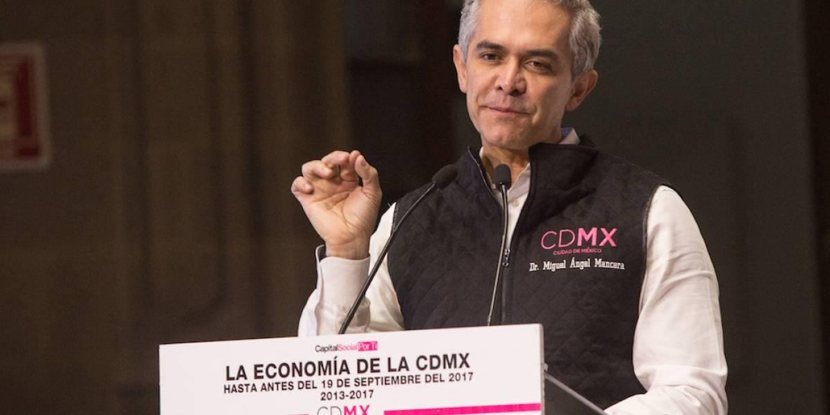 En esto se parece la Presidencia a Maluma, según Mancera