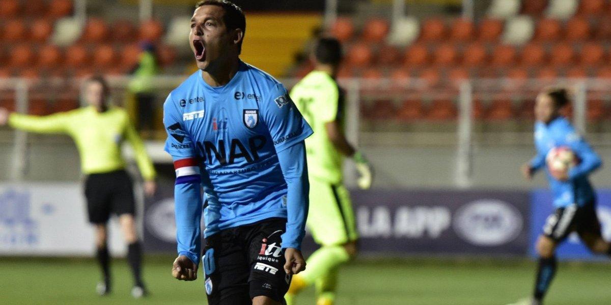 """Manuel Villalobos no piensa en el retiro: """"Quiero seguir jugando y espero que sea en Iquique"""""""