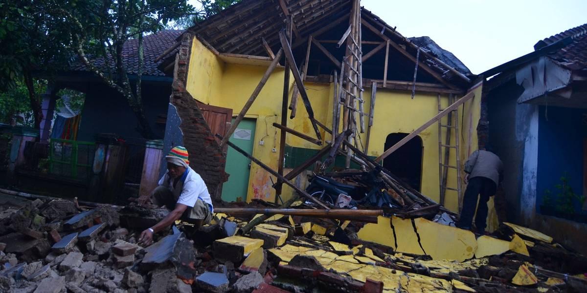 Forte terremoto atinge ilha de Java, na Indonésia, e deixa mortos