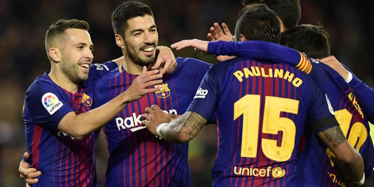Barcelona golea y llega al derbi español con 11 puntos de ventaja sobre el Real Madrid