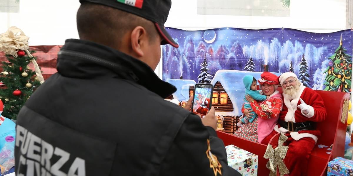 Adelantan Navidad a hijos de elementos policiacos de NL