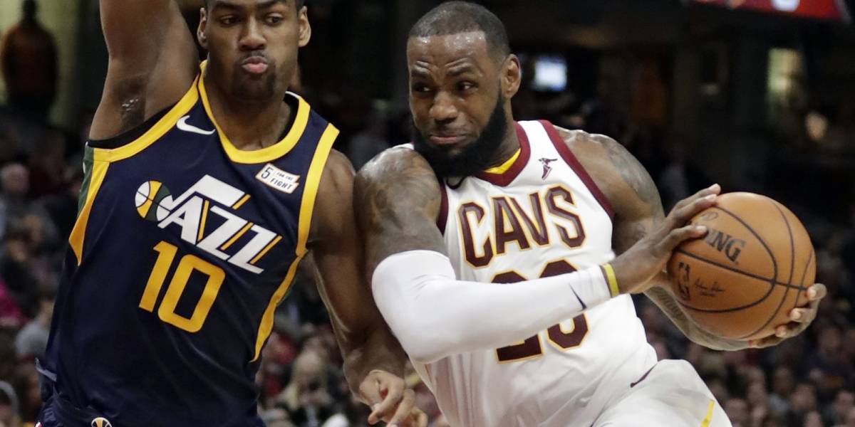 LeBron James logra su 60mo 'triple doble'