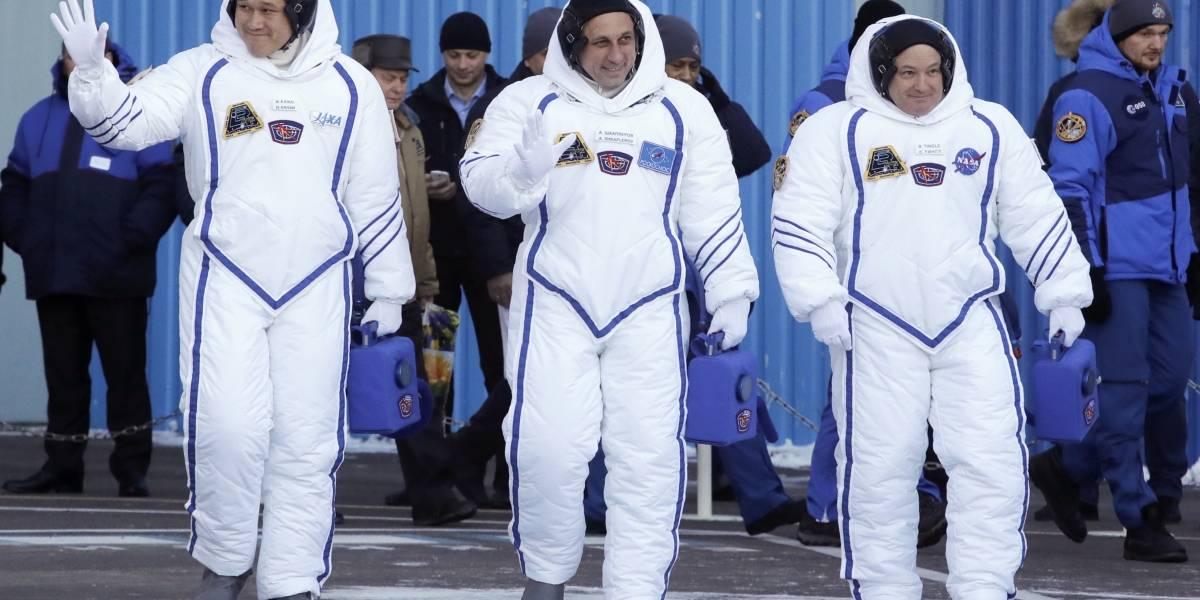 Tres astronautas parten a la Estación Espacial Internacional