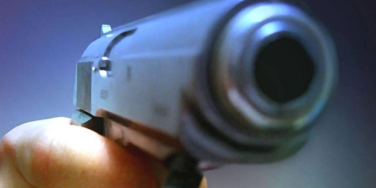 Dois assaltos terminam com um morto e dois feridos em SP