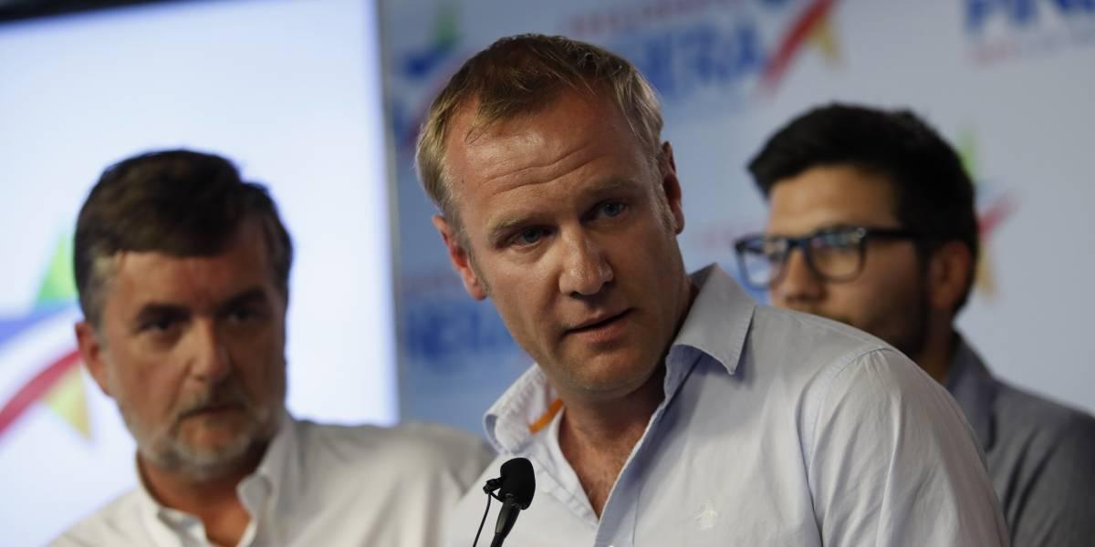 """Felipe Kast emplaza a la oposición a """"trabajar juntos"""" y llama a Piñera a la humildad"""