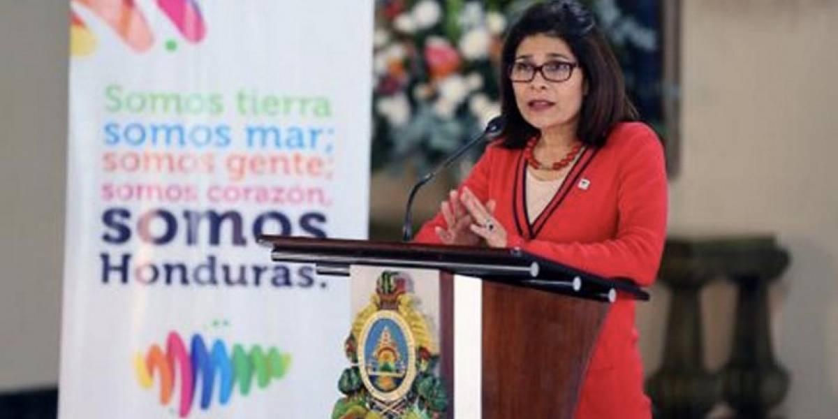 Muere la hermana del presidente de Honduras tras caerse el helicóptero en el que viajaba
