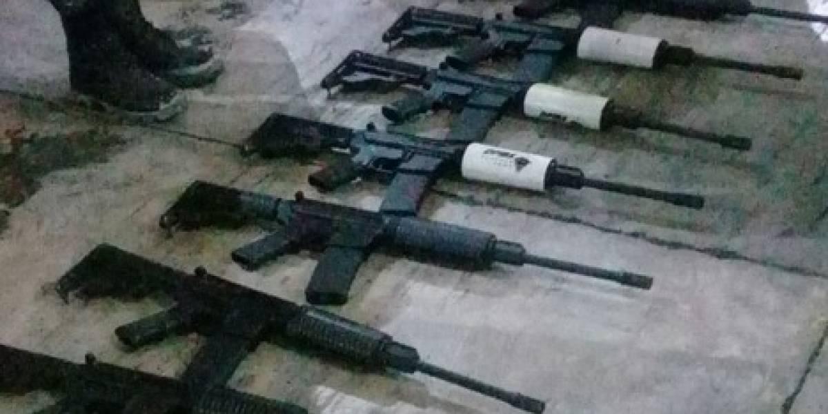 Decomisan 14 fusiles para asalto que fueron ocultados como encomiendas