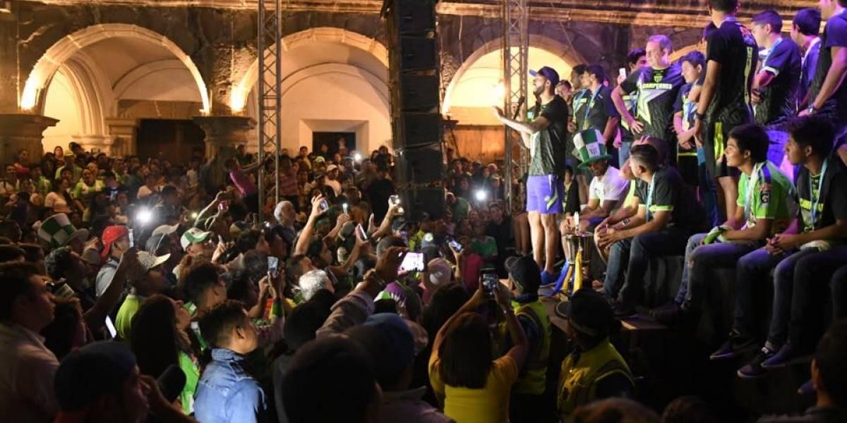 EN IMÁGENES. Celebración del campeón Antigua GFC en el Parque Central