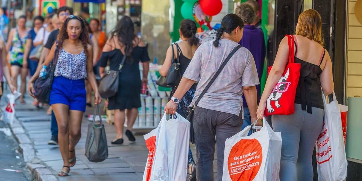 Metade dos consumidores brasileiros vai comprar o próprio presente de Natal