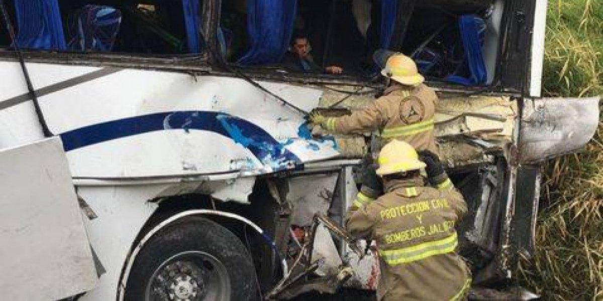 Filial del club Monterrey tuvo accidente y dejó serias consecuencias