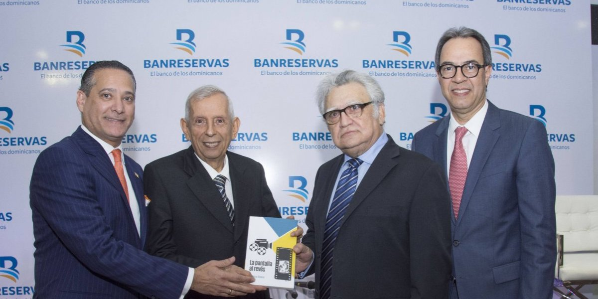 #TeVimosEn: Banreservas presenta libro 'La pantalla al revés, de Luis Beiro'