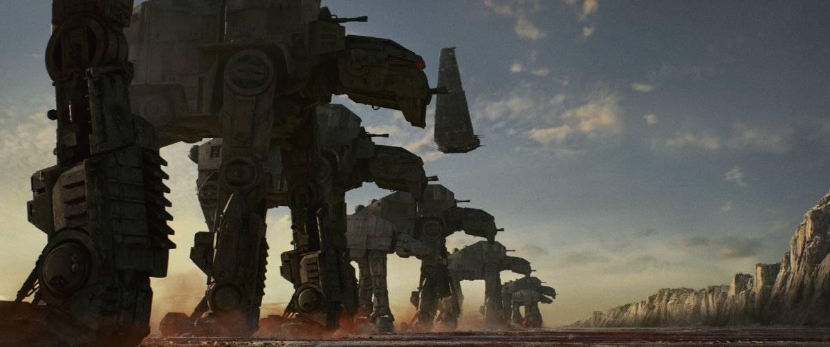 The Last Jedi mostrará las nuevas máquinas de guerra de la Primera Orden. |disney