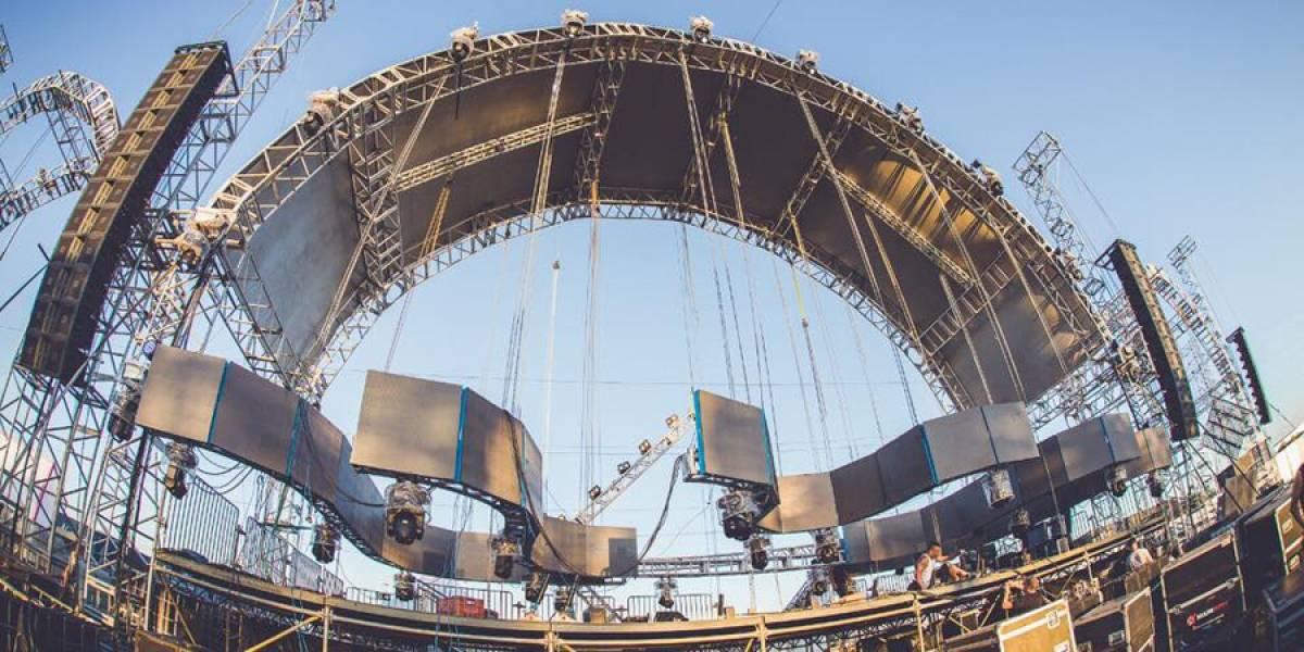 DJ muere en pleno festival, al caerle el escenario encima