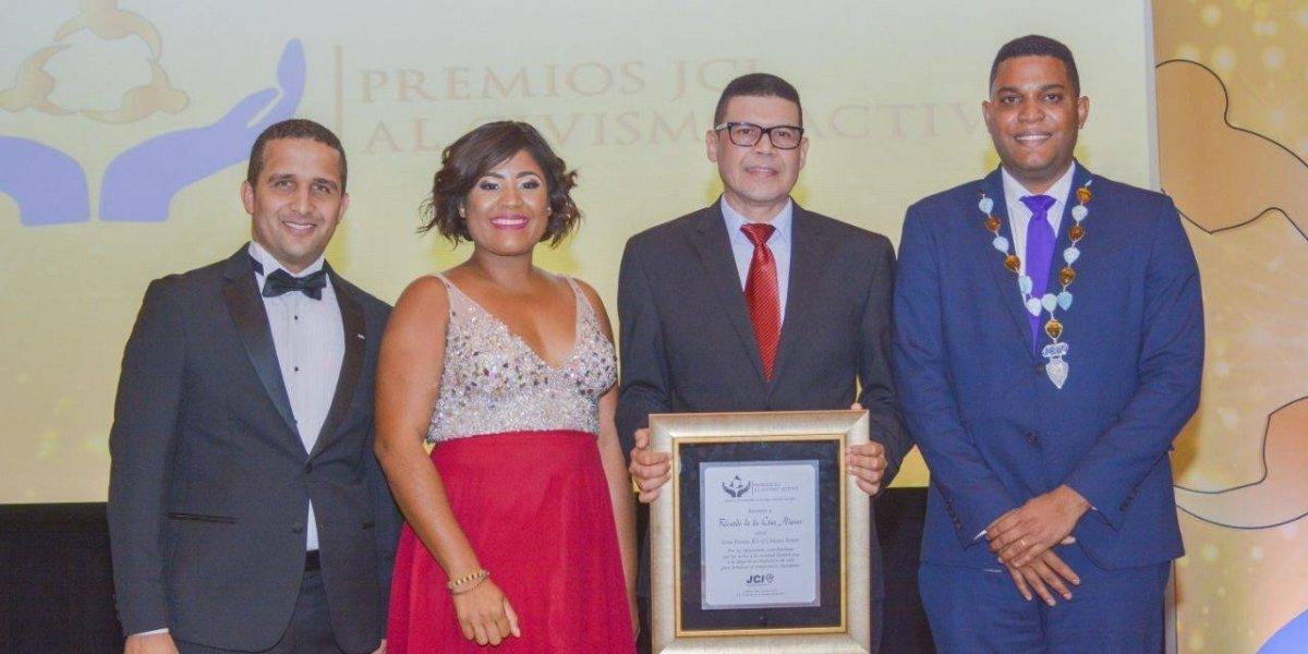 JCI República Dominicana entrega premios al civismo activo