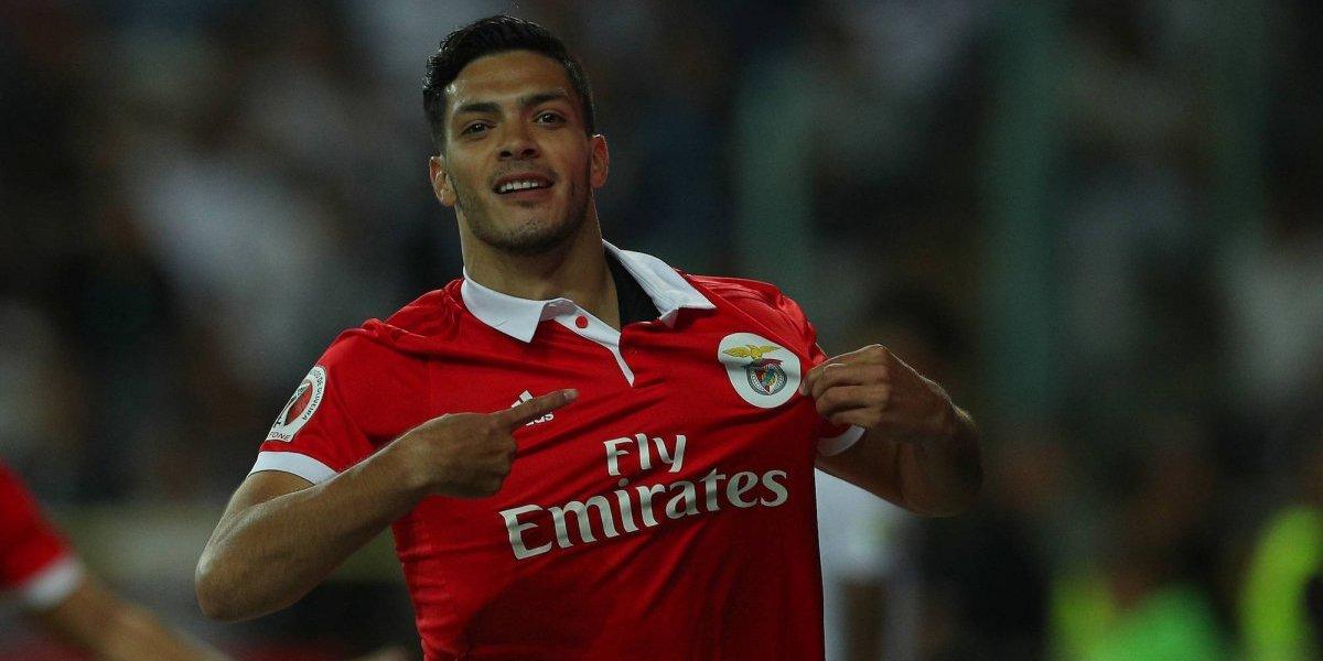 Raúl Jiménez jugó en goleada del Benfica