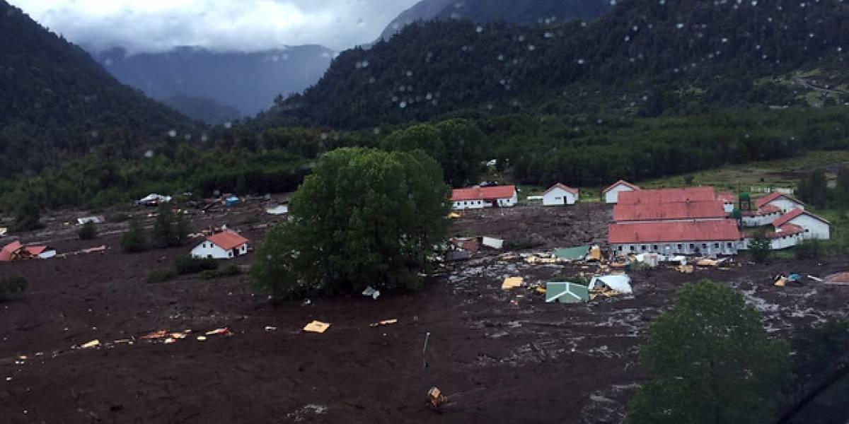 Once muertos y 350 evacuados ante temor por nuevo aluvión: el panorama que espera a Bachelet en Villa Santa Lucía