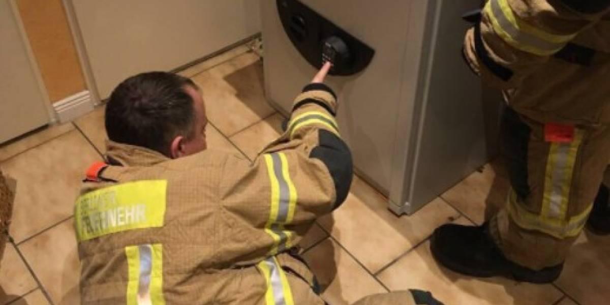 Jugaba a la escondida y quedó atrapado en una caja fuerte — Pánico