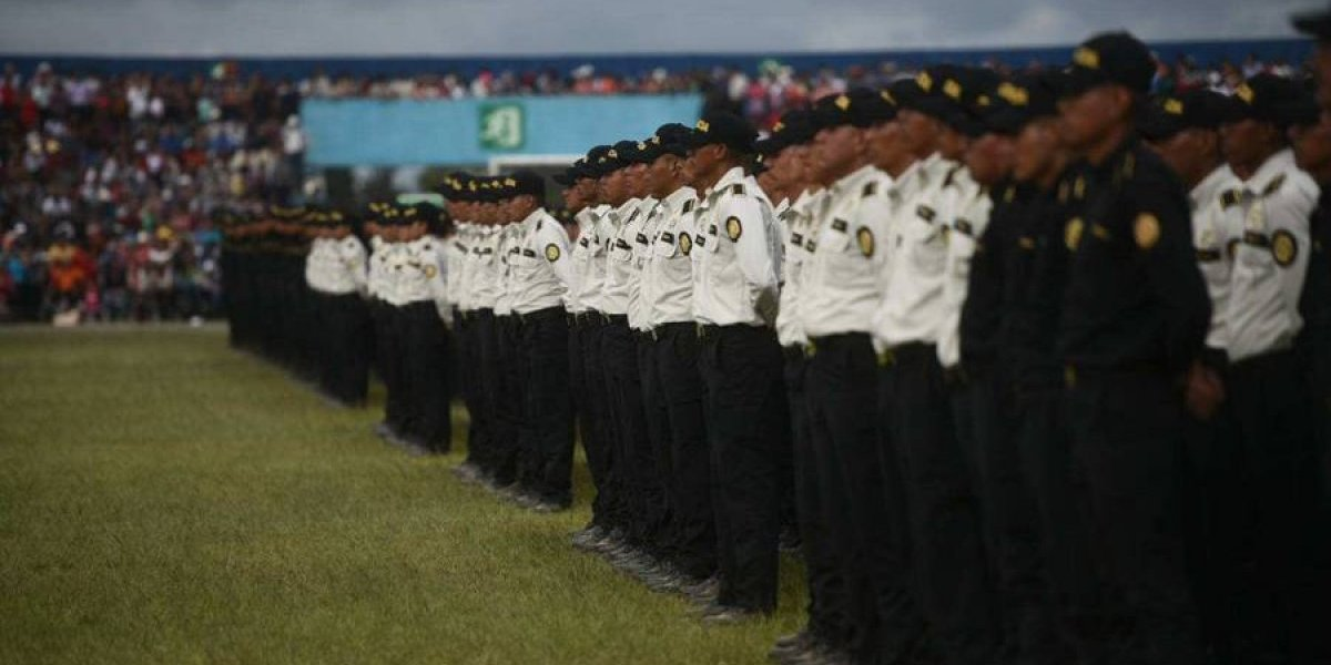 Contraloría auditará a la PNC por posibles irregularidades en ascensos