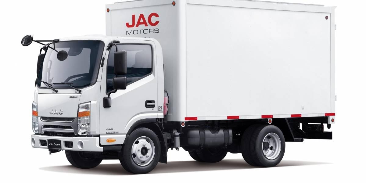 Con dos nuevos camiones para cortas y medianas distancias cierra el año JAC Motors