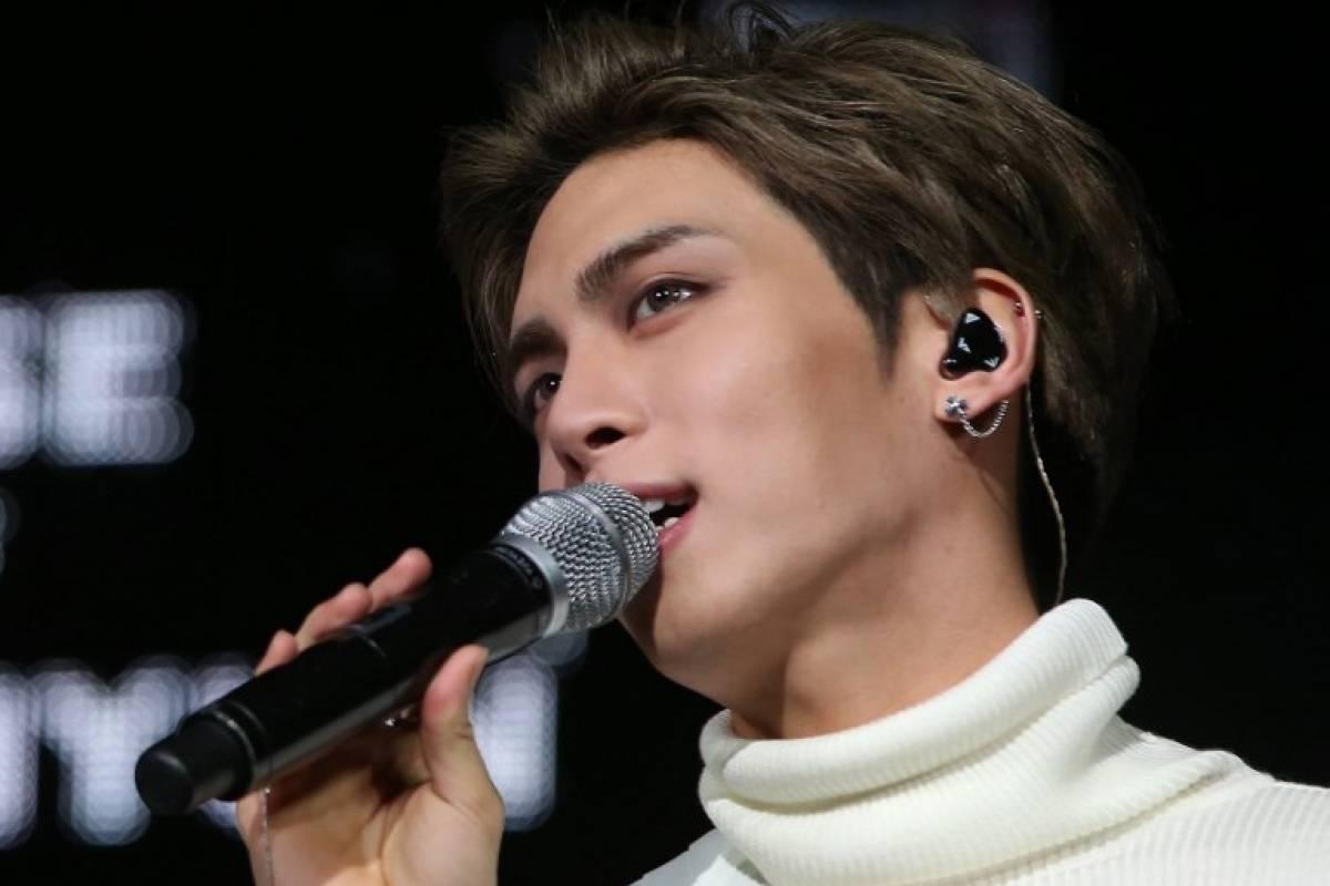 Hallan muerto a líder de popular banda de k-pop SHINee