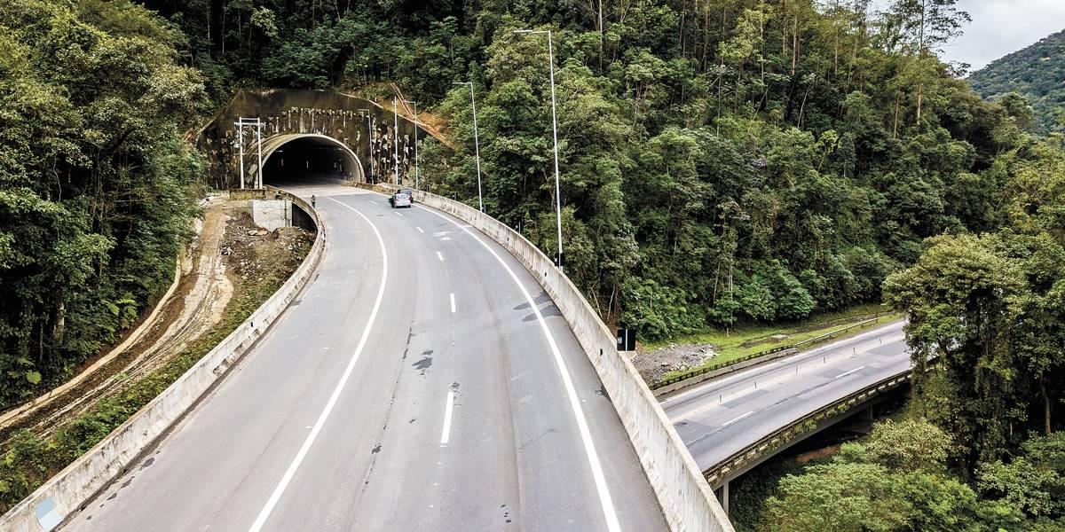 Trecho de 10 km da Régis Bittencourt é entregue sete anos após início da obra