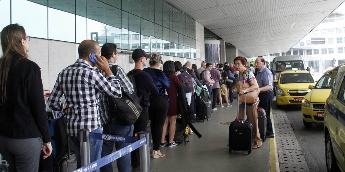 Mulher diz ter sido picada por cobra no estacionamento do aeroporto Santos Dumont