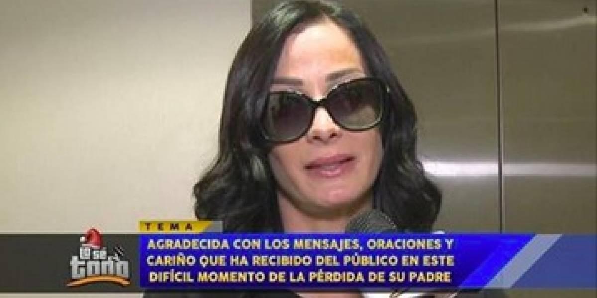 Dayanara llega a Puerto Rico y agradece apoyo por la muerte de su padre