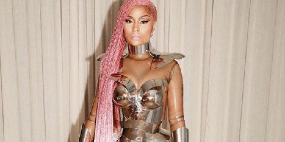 Nicki Minaj sorprende con foto en topless