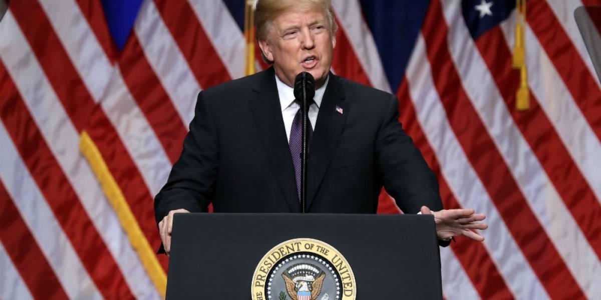 Trump anuncia nueva era de rivalidad con Rusia y China