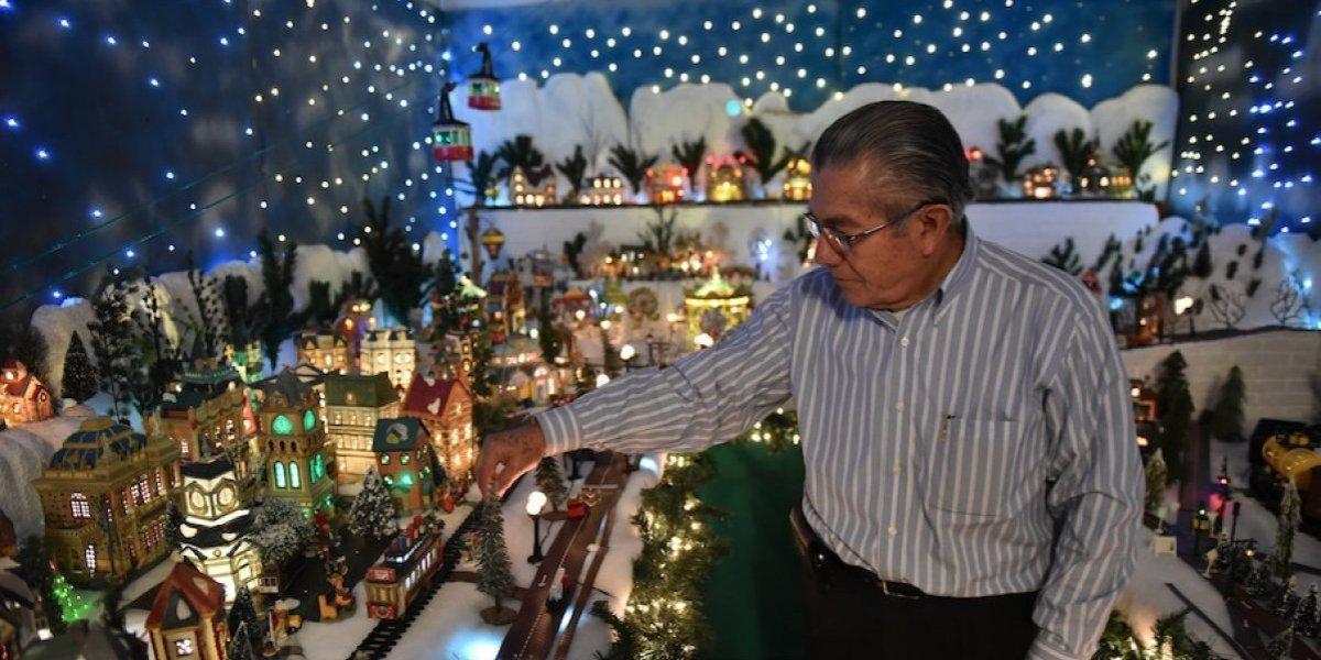 Desde hace 28 años, un guatemalteco construye villa navideña en miniatura