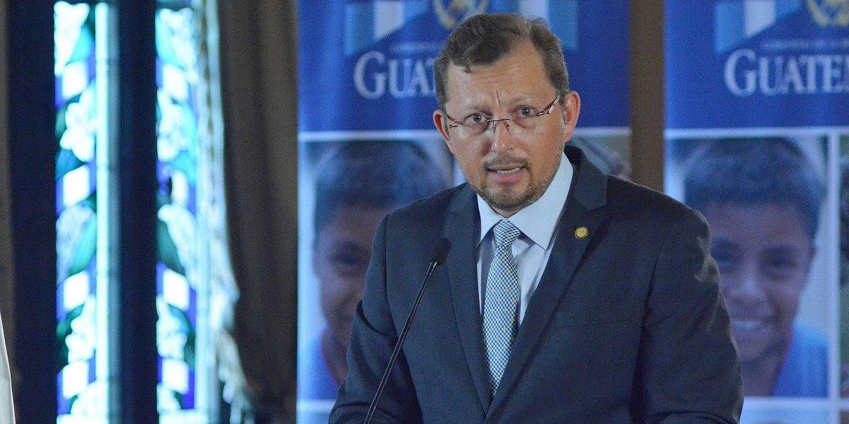 Vocero presidencial se pronuncia por exoneración de Q7.5 millones que Morales autorizó a empresa