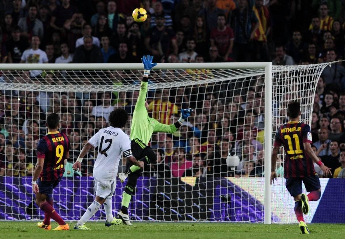 Alexis Sánchez sacó los aplausos del Camp Nou / imagen: AFP