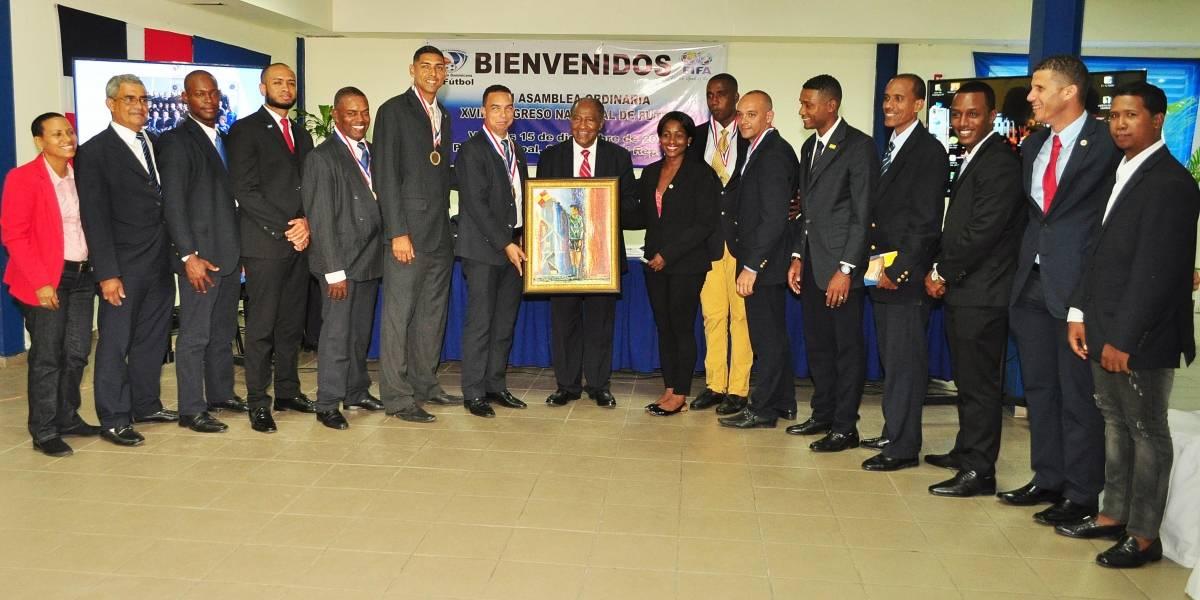 Fedofutbol presente programa por 102 millones de pesos para 2018