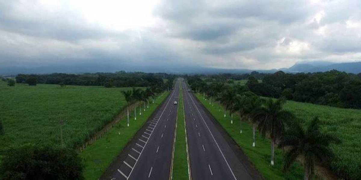 Proyecto en autopista hacia Puerto Quetzal incluye cobro de peaje