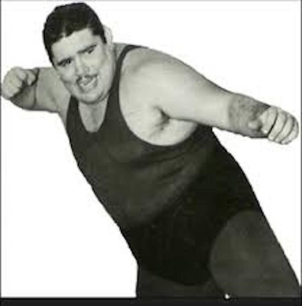 TONINA JACKSON: Uno de los primeros luchadores gorditos y carismáticos fue Fernando Garcia Legorreta, mejor conocido como Tonina Jackson. Este luchador tenía un parecido con el Brazo de Plata.