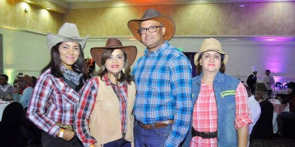 #TeVimosEn: ADOTUR celebra la navidad al estilo vaquero