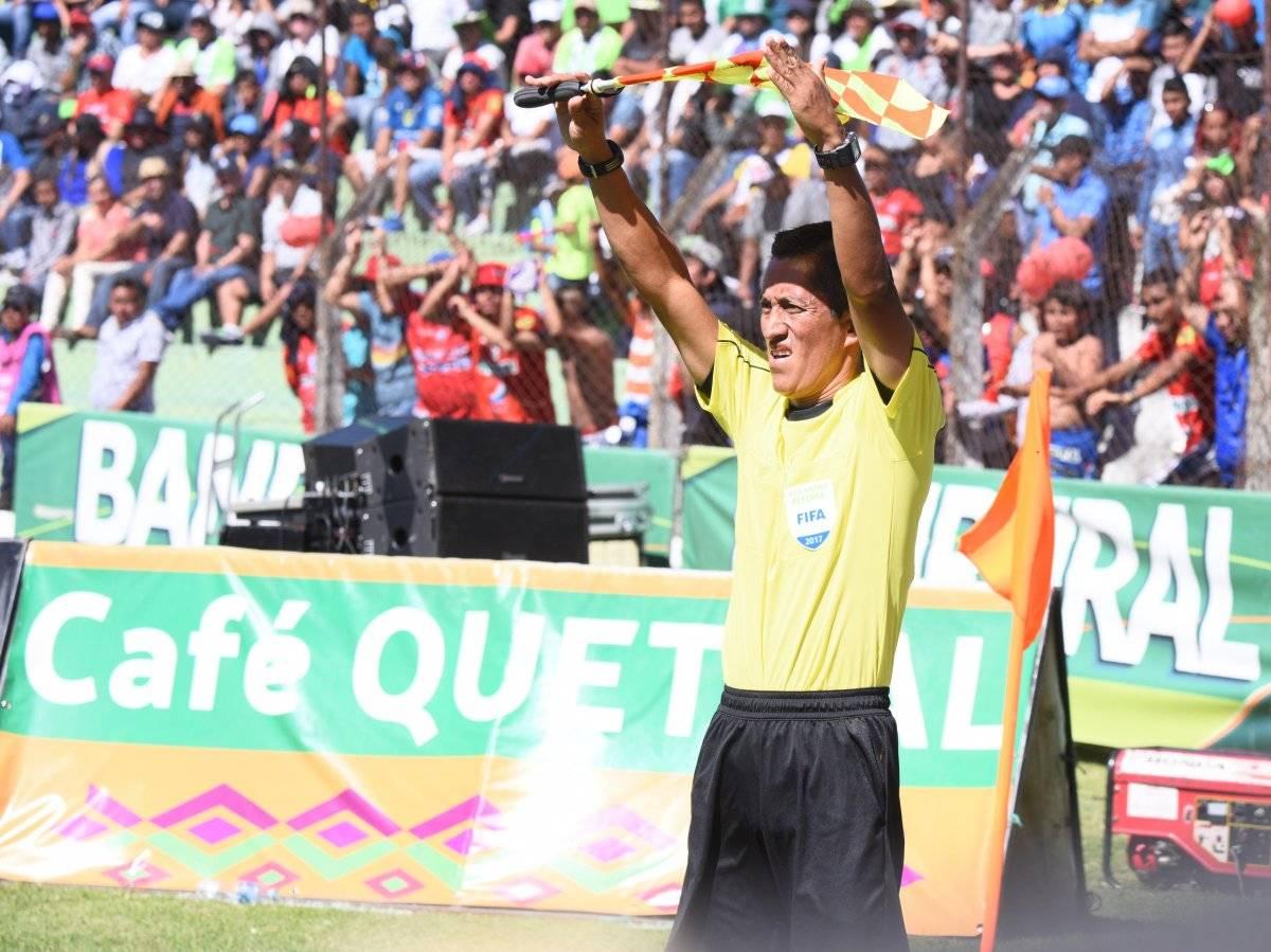 Leal dirigió su último juego en la final entre Antigua GFC y Municipal.