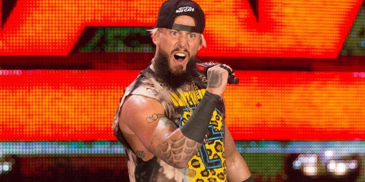 Luchador de la WWE se niega a cambiar su 'obscena' firma