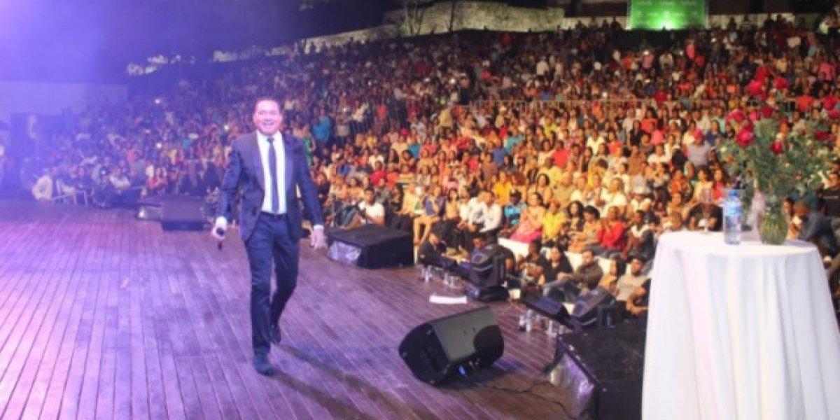 Frank Reyes despidió el 2017 en Anfiteatro Puerto Plata
