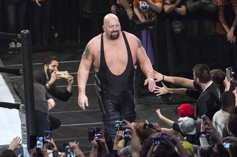 THE BIG SHOW: Es un luchador muy alto (más de 2 metros), pero también muy pesado el cual es casi imposible vencer.
