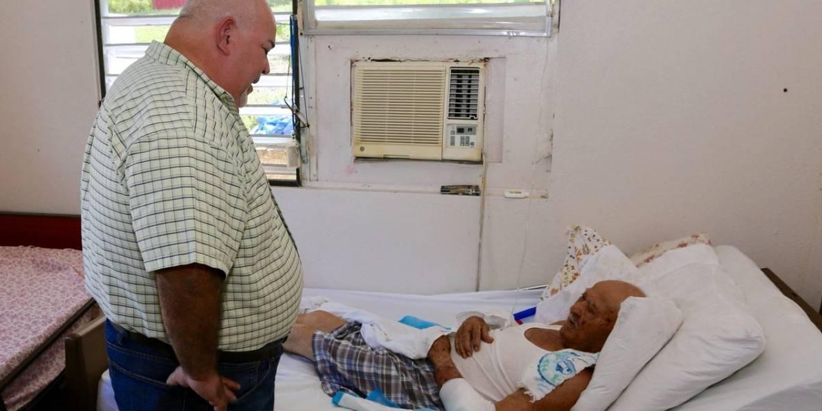 Reparten plantas eléctricas en Vieques