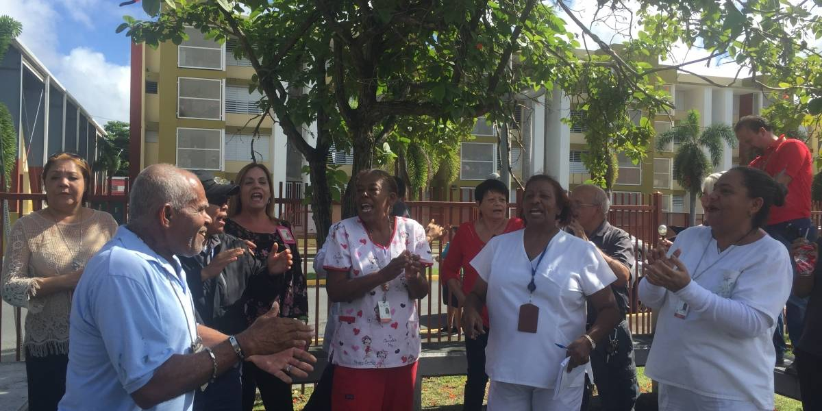 Denuncian silencio de alcaldesa de San Juan sobre el bono de Navidad