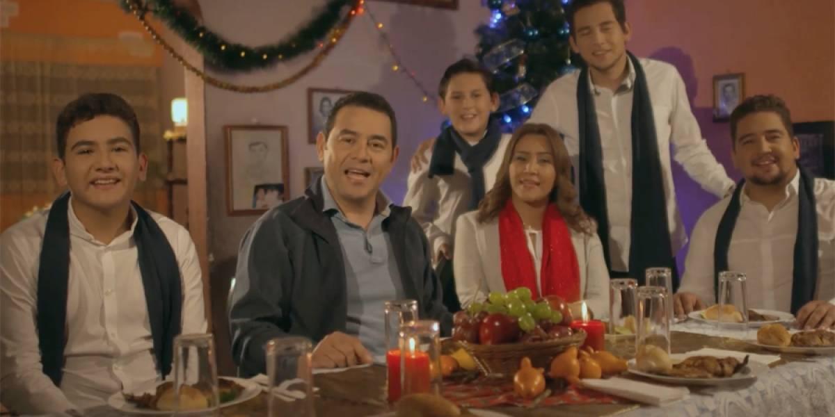"""VIDEO. """"Ha sido un año difícil"""", dice Jimmy Morales en su mensaje de Navidad"""