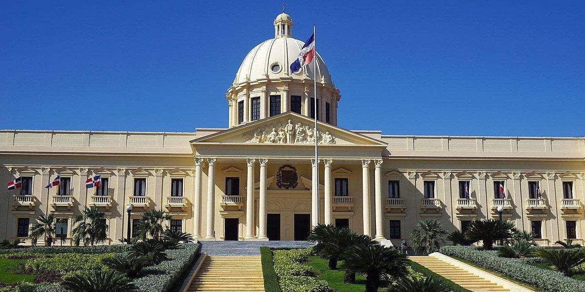 Presidente Medina promulga Ley de Partidos