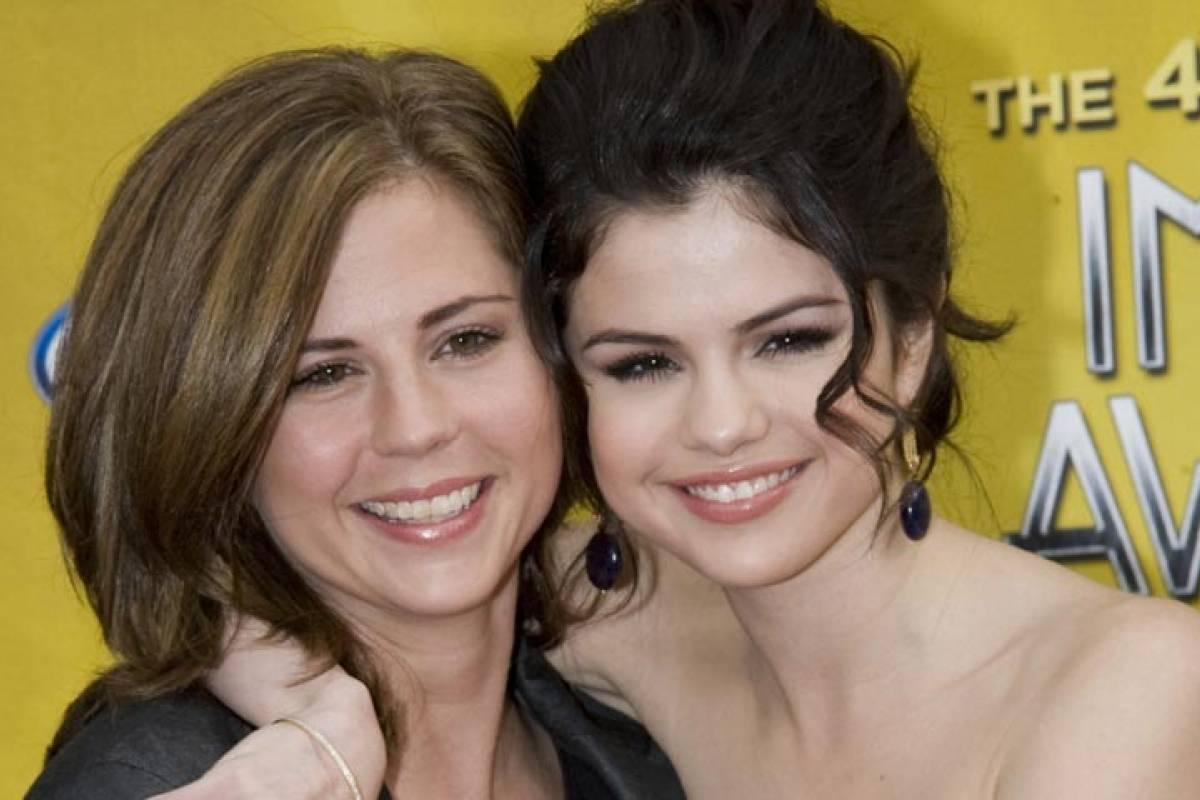 Aseguran que la madre de Selena fue hospitalizada por culpa de Justin