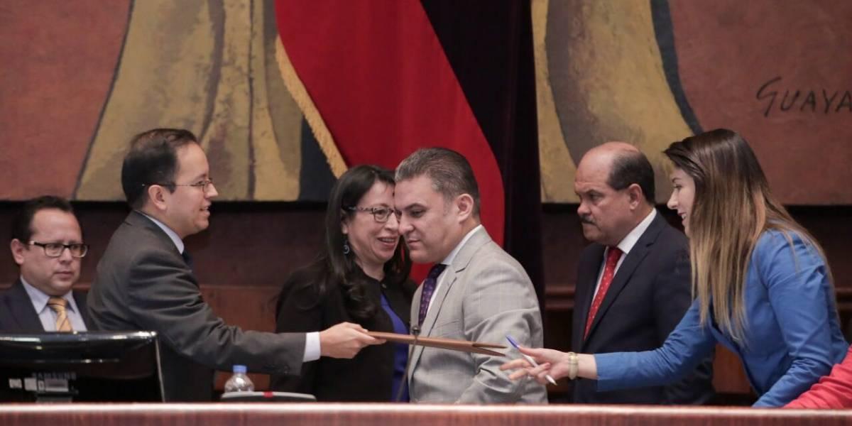 Asamblea Nacional posesiona al nuevo Superintendente de Economía Popular y Solidaria